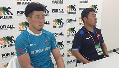 豊田自動織機シャトルズの丹生監督(右)、高田キャプテン
