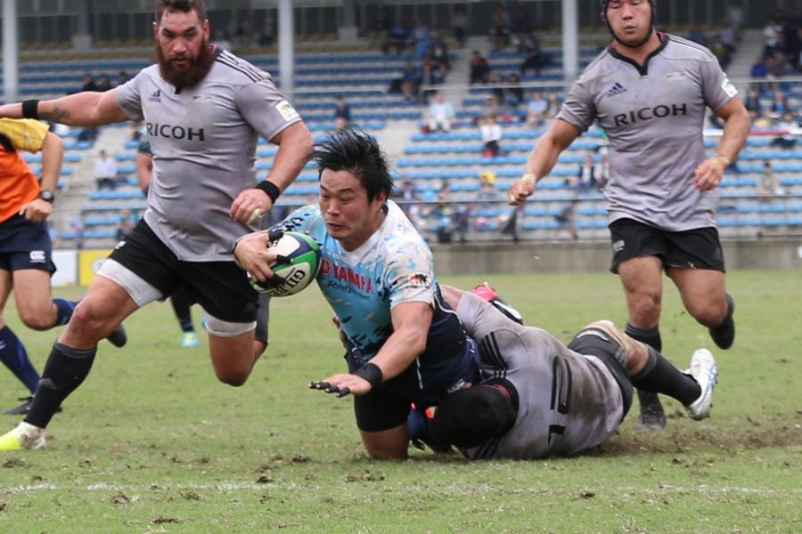 首位ヤマハ発動機は2敗のNTTコムと対戦。大田尾(ヤマハ発動機)ー小倉(NTTコム)のSO対決も楽しみだ photo by Kenji Demura