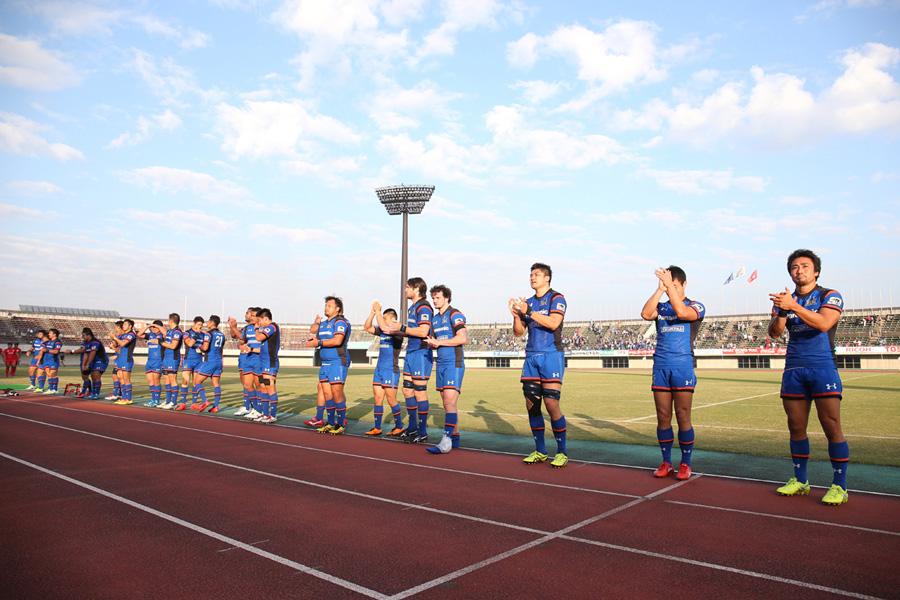王者パナソニックは今季初の太田での試合。WTB北川(右端)は地元で通算100トライ達成なるか photo by Kenji Demura