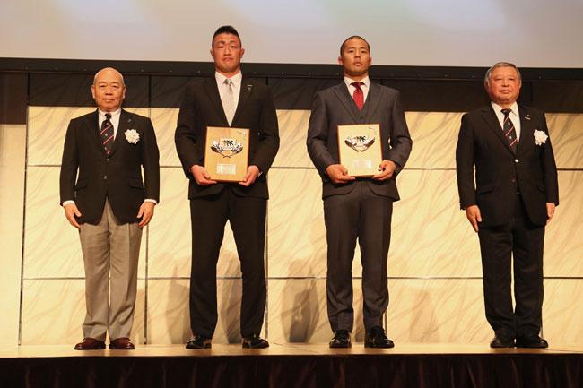 ベストファンサービス賞は神戸製鋼(2季ぶり11度目)とリコー(初受賞)が獲得 photo by Kenji Demura