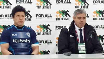ルディケ ヘッドコーチ(右)、立川キャプテン