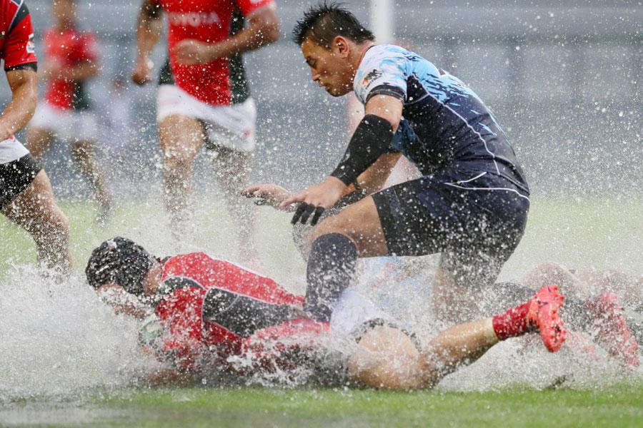 豪雨の中でのTL復帰となった開幕戦でも安定したプレーぶりで勝利に貢献ヤマハ発動機FB五郎丸 photo by Kenji Demura