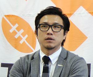 瓜生靖治(うりゅう やすはる) 1980年生まれ、福岡県出身。小倉高、慶應義塾大を経て、2002年にサントリー入社。2003年9月13日に国立競技場で行われた記念すべきトップリーグ創設後最初の試合(サントリー - 神戸製鋼)にWTBで先発出場するなど、サントリーの主力として活躍した後、2006年に神戸製鋼に移籍。さらに2008年にリコー、2009年にキヤノンと、日本人選手としては珍しく4つのトップリーグチームでプレー。2012年に現役を引退した。日本代表としては2000年のサモア戦で初キャップを獲得(計2キャップ=CTB)。現在は日本ラグビーフットボール協会Top League Next PROJECT MANAGER