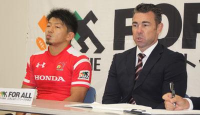 Honda HEATのリー ヘッドコーチ(右)、生方ゲームキャプテン
