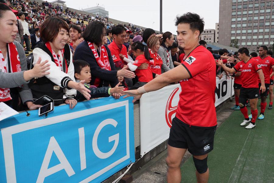確実に増えている女性ファンに向けてどんなサービスを提供していけるか。トップリーグの将来的な課題だ photo by Kenji Demura