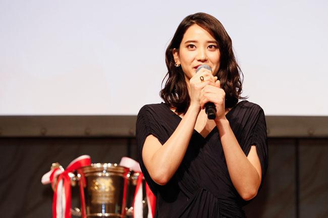 昨季に続いてトップリーグのアンバサダーに就任した女優の山崎紘菜さん photo by Kenji Demura