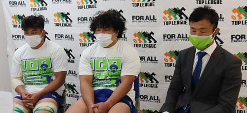 NECグリーンロケッツの左から、亀井 共同キャプテン、瀧澤選手、浅野ヘッドコーチ